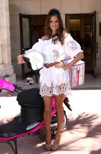Alessandra Ambrosio in Dolce & Gabbana