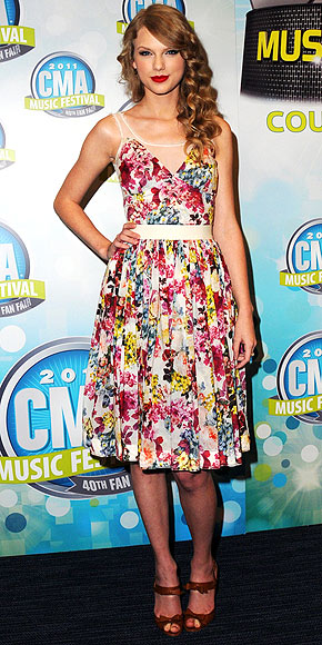 Taylor Swift in D&G floral dress
